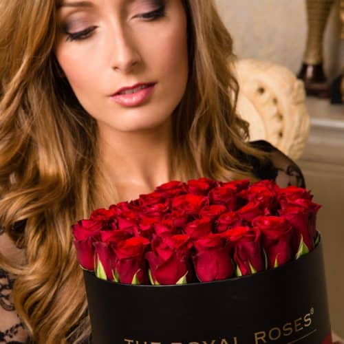 The Royal Roses® Die roten Rosen in der Royal Round Box - schwarz Flower Box